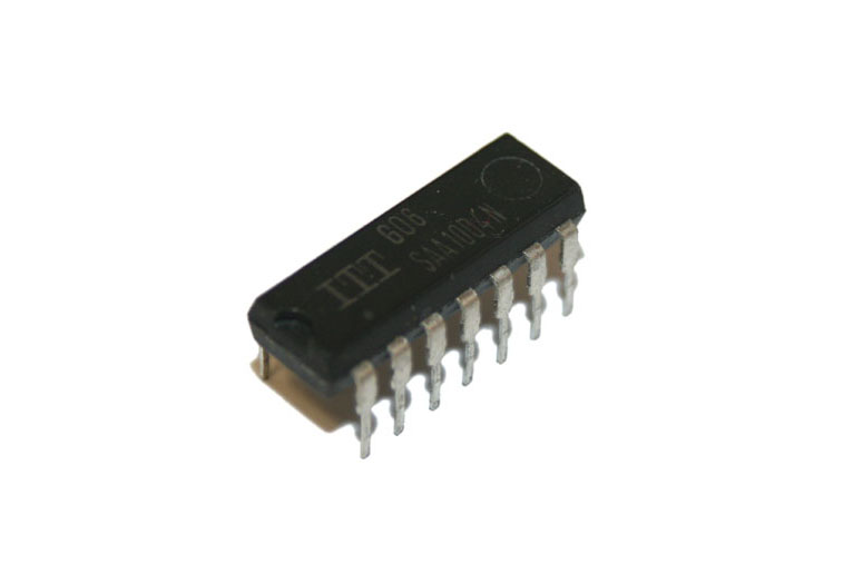 IC, SAA1004N frequency divider